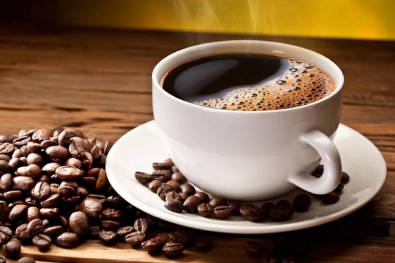 Как лучше пить кофе: с молоком или без?