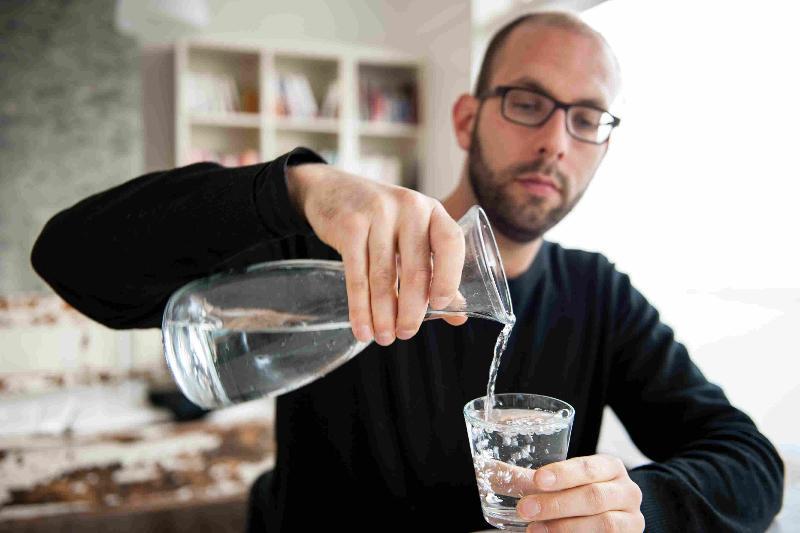 Признаки, что вы пьете мало воды