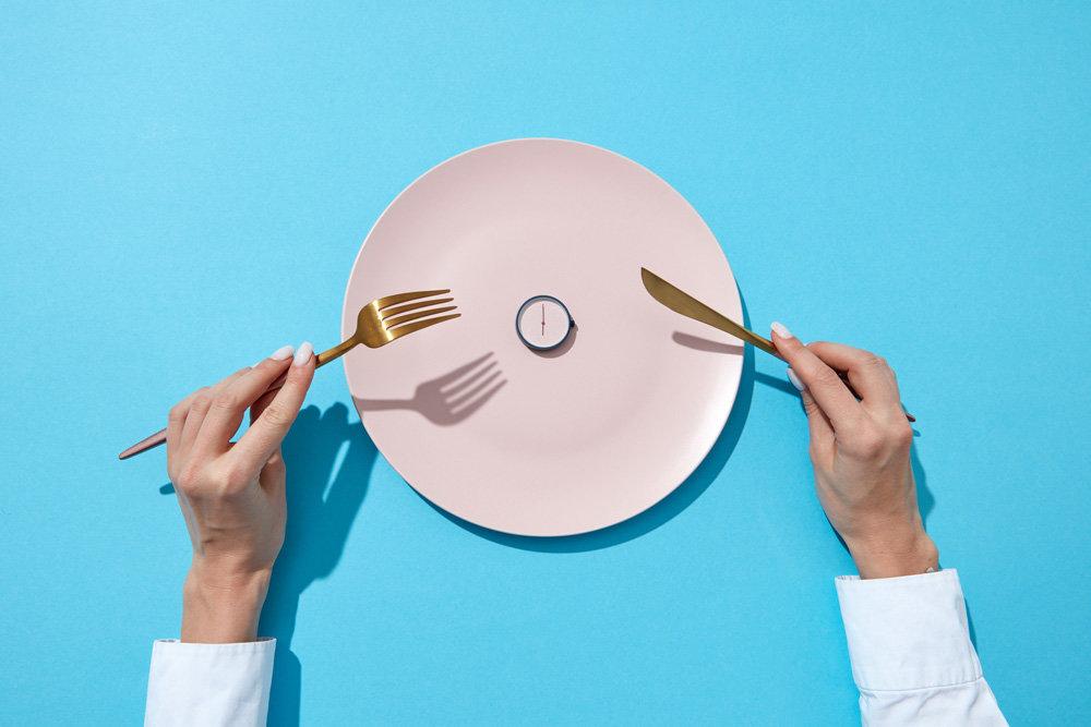 Почему голодание не поможет похудеть?